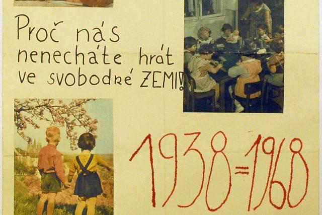 Podomácku vyrobený plakát, kterým lidé v srpnu 1968 dávali najevo nesouhlas s okupací