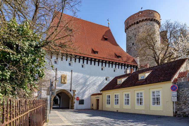 Bechyňská brána a hrad Kotnov v Táboře   foto: Fotobanka Profimedia