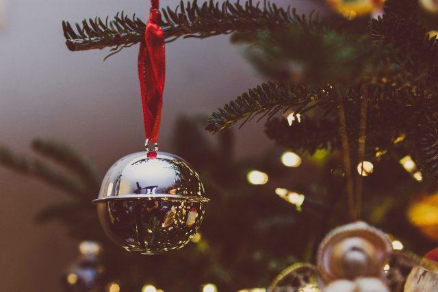 Vánoce, vánoční ozdoby, vánoční koule, vánoční výzdoba, vánoční stromek, vánoční stromeček (ilustrační foto)