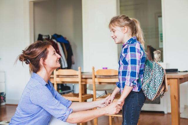 Školačka, školák, dítě, matka, rodina