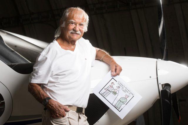 Miloslav Martenek, bývalý českobudějovický vojenský pilot a také karikaturista a ilustrátor