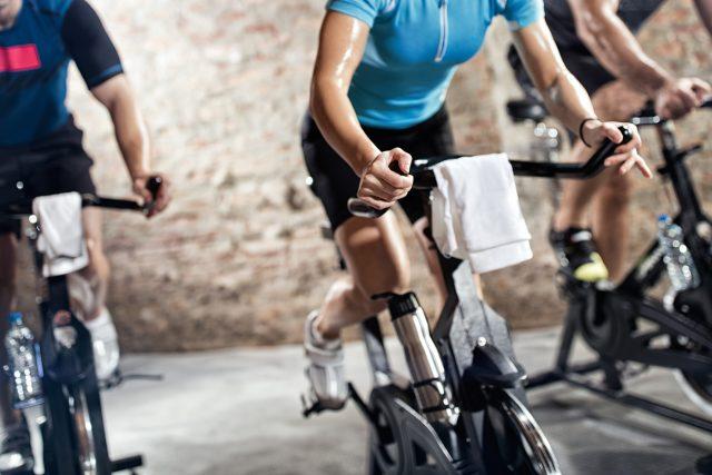Rotoped, trenažér, sportování doma, trénink, cvičení, ilustrační foto