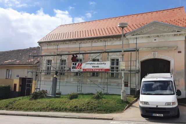 Dům rodiny Havlasů ve Strunkovicích nad Blanicí na Prachaticku se opravuje