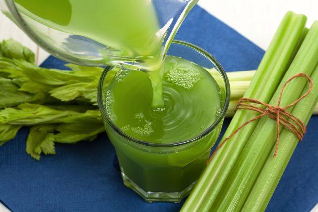 Šťáva z řapíkatého celeru, smoothie, zdravá výživa