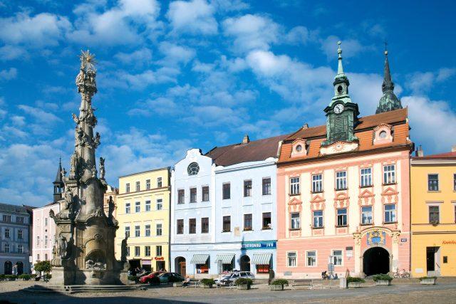 Sloup Nejsvětější Trojice a radnice, náměstí Míru, Jindřichův Hradec