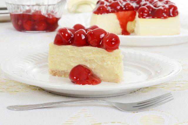 Cheesecake s třešněmi