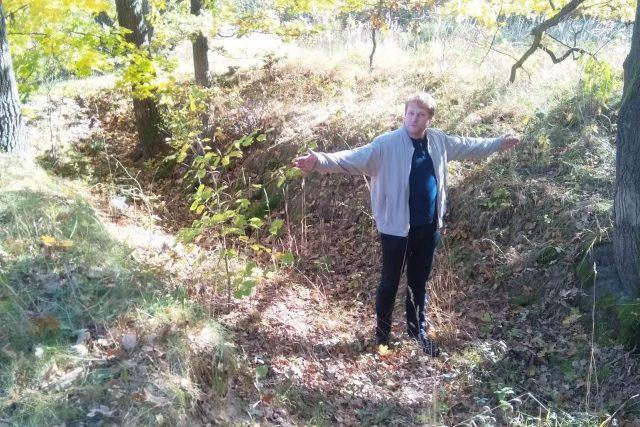 Ředitel českobudějovického archivu Daniel Kovář ukazuje dochovanou část Zlaté stoky u krajského města