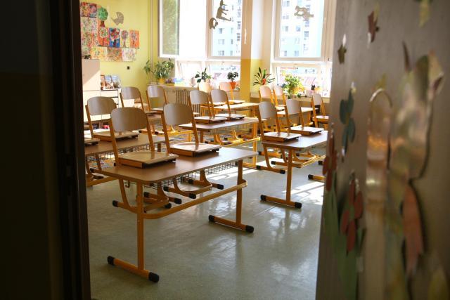 Prázdná třída, stávka, učitelé