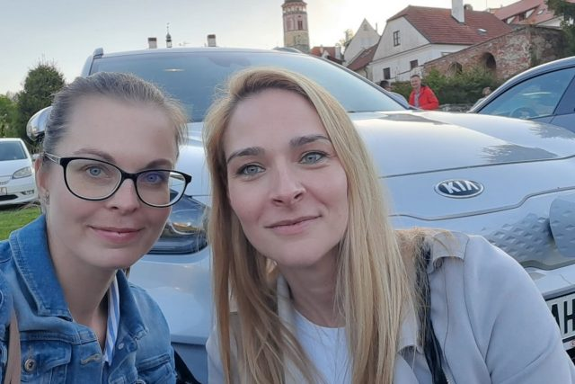Helena Švejdová a Jaroslava Musilová na startu Czech New Energies Rallye v Českém Krumlově