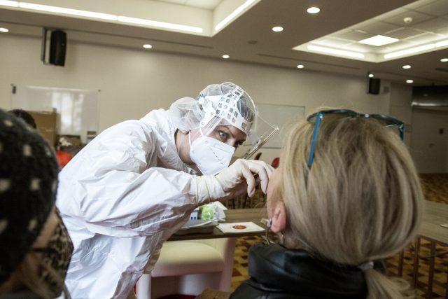 Antigenní testování. Ilustrační foto | foto: Michaela Danelová,  iROZHLAS.cz